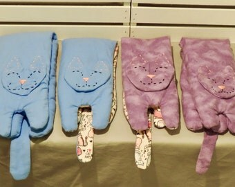 Cat Heat Wraps, made with Rice, Flaxseed & Essential Oils. Lavender, Peppermint and Un-scented.