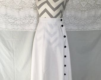 Vintage 80's white A-line skirt with black buttons on the side