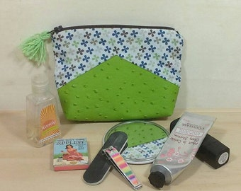 Green leatherette for woman - clutch purse - make-up kit