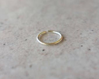 Seamless Nose Ring Sterling Silver / 9ct Gold