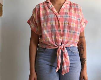Vintage sz M pink button up top