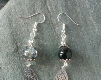 1289 - black earrings, Crackle Glass and metal
