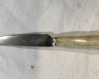 Neck knife.