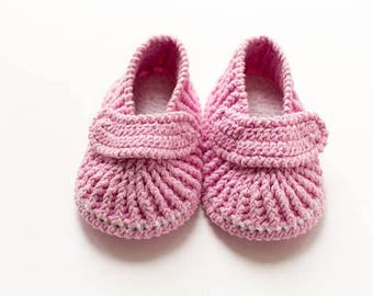 Pink Baby mocassins Baby reveal box Baby moccasins Baby uggs Baby moccs Loafer booties Baby loafer shoes Baby sandals Soft sole baby shoes