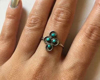 Vintage Sterling Silver + Turquoise Women's Dainty Ring size 7.25