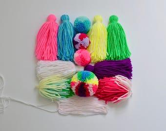 Yarn tassels pompoms garland // nursery decor // party decoration // kids room decor // boho wall hanging // neon kids decor // baby // boho