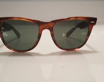 Vintage 1980s Ray Ban Wayfarer Sunglasses Tortoise Made In USA B  L Bausch  Lomb