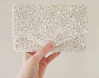Vintage beaded purse • Vintage evening bag• Sequined purse • White beaded bag• White Sequins• Beaded clutch• Wedding purse • Embroidered bag