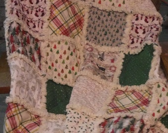 Christmas rag quilt, Holiday rag quilt, Throw size rag quilt, Ready to ship