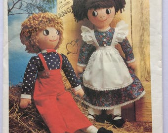Style sewing pattern 2011 - rag dolls boy and girl - vintage 1970's