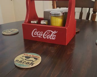 Kitchen table caddy with pallet wood