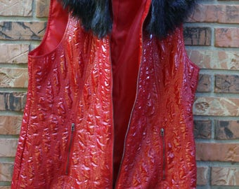 Vintage Faux Patent Leather High Fashion Red Vest With Faux Fur Removable Collar Women's XL