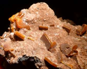 Butterscotch Wulfenite Crystals From Mexico
