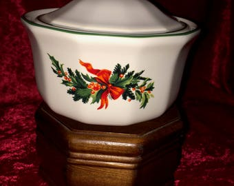 Pfaltzgraff Christmas Heritage Dishes - Butter Bowl 1990s Retired Pattern