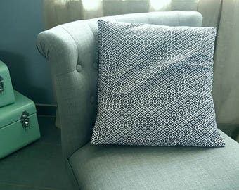 Cushion 40x40cm, Japanese pattern scales black and white