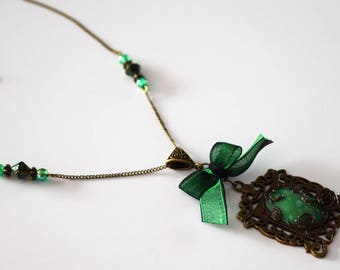 Necklace bronze cabochon green jade stone Flower Pink