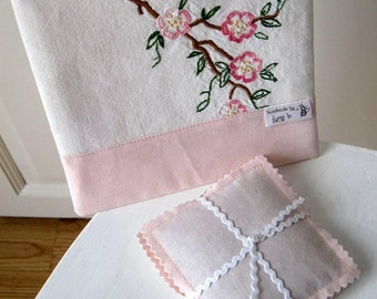 Notions pouch and two lavender sachets  -  hand made using vintage fabric