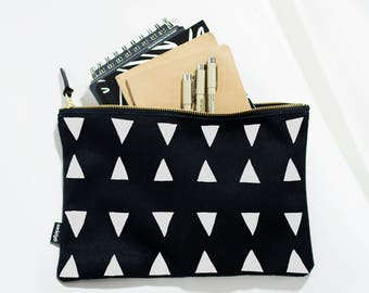 Black and White Cosmetic Bag, Zipper Pouch, Large Travel Pouch, Makeup Pouch, Makeup Bag, Travel Gift, Handbag, Cosmetic Pouch, Triangles