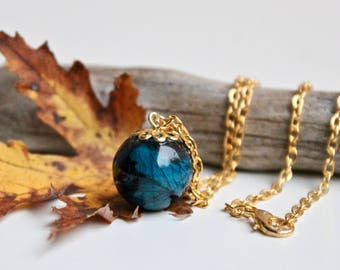 Necklace with resin pendant with pearl and blue Rose, resin necklace, necklace, resin necklace, necklace, resin bijoux, resin jewelery,