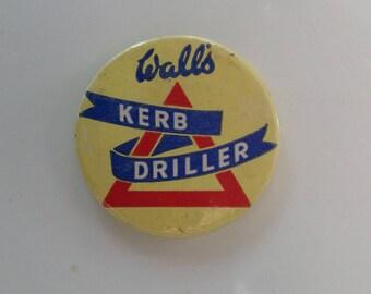 Vintage Walls icecream badge 1960s
