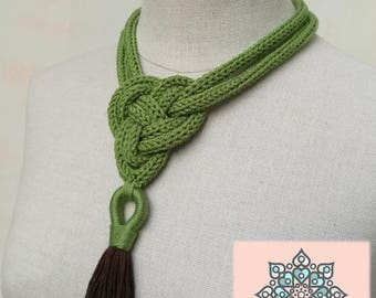 Wool necklaces with Celtic knot and tassel