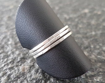 Set silver hammered rings