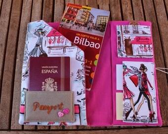 """Document Holder Travel """"Chicas en Paris"""""""