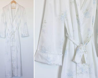 Vintage 1960's Barbizon Robe - Floral Print Detail & Lace Trim - Full Length Robe - Size M