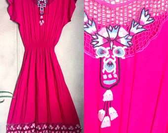 Price reduced! Vintage 1980s Size Medium Bali Lace Fuchsia Cutout Dress