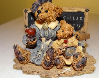 Boyds Bears, Bearstone Collection, Style 2259 Miss Bruin & Bailey....the Lesson