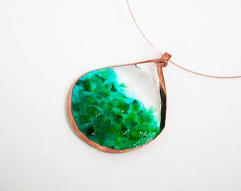 Hammered Copper & Resin Pendant Memory Wire Necklace