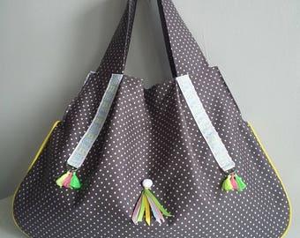 Grand sac besace style ethnique porté épaule en coton gris étoilé et pompons fluos. Sac à main/cabas en tissu pour femme.