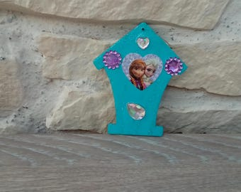 Create Queen of snow frozen Anna elsa