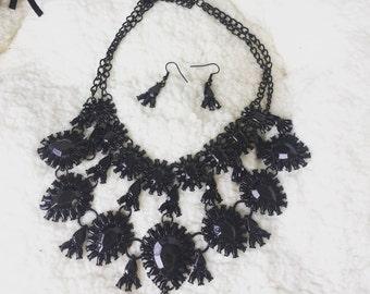Classy Jewel Necklace Set