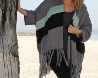 Mystify Knit | Poncho/Kimono | One Size Fits All | Charcoal/Black/Mint