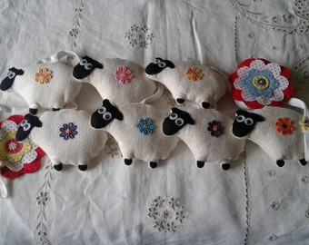 Flock of sheep padded bunting