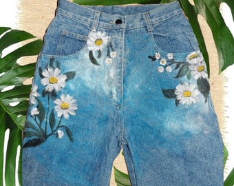 UK 8 Hand Painted DAISY Shorts