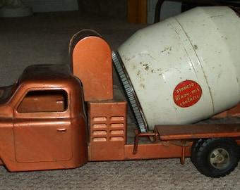 Vintage Structo USA Pressed Steel Concrete Cement Mixer Truck