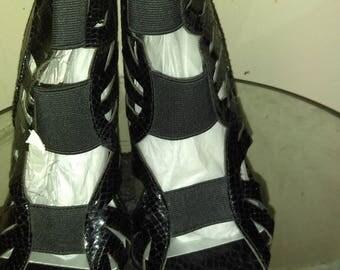 Women's shoes size 11 Wide width