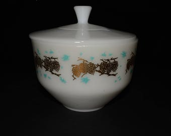 FEDERAL GLASS, 1.5 QT, Casserole Bowl with lid, Gold Pine Cones and Turquoise Design,Drip Grease Refrigerator Jar Lid, baking dish Vintage