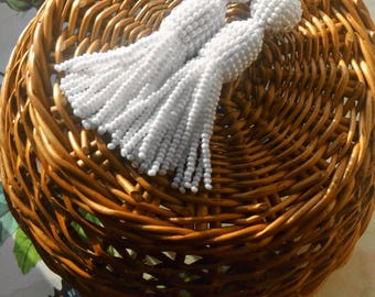 White color/oscar de la renta/beaded tassel/Unique Gift