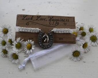 "Horse charm macrame bracelet (adjustable size) ""Luck, Love, Happiness"""