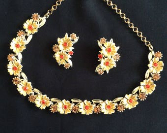 Gold necklace and clip-on earring set