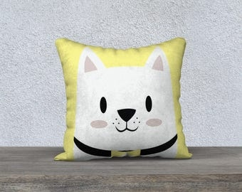 Decorative cushion for child (choice of background color)