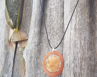 Wooden pendant - juniper wood, bilinga wood. Juniper wood, shell inlay