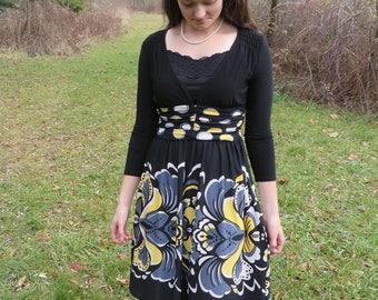 "Nursing Dress-""Nine West"" Black/Yellow size 4"