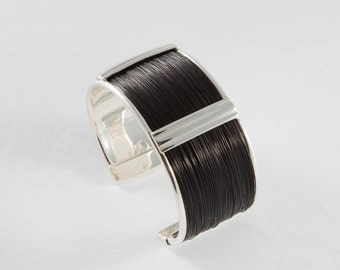 Natural Giraffe Hair Bracelet and sterling silver 925 thousandths. More flexible and resilient than elephant hair bracelets.