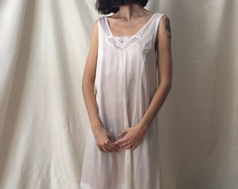 Large 90s Slip with Lace Collar and Hem Detail