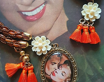 Necklace-Golden Love