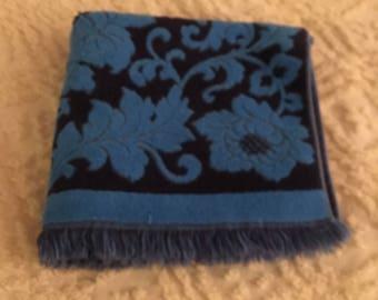 Vintage Bath Towel, Terry Cloth Bath Towel, Floral Flowers Swirl Design, Royal Blue on Navy Blue, Back Reversible